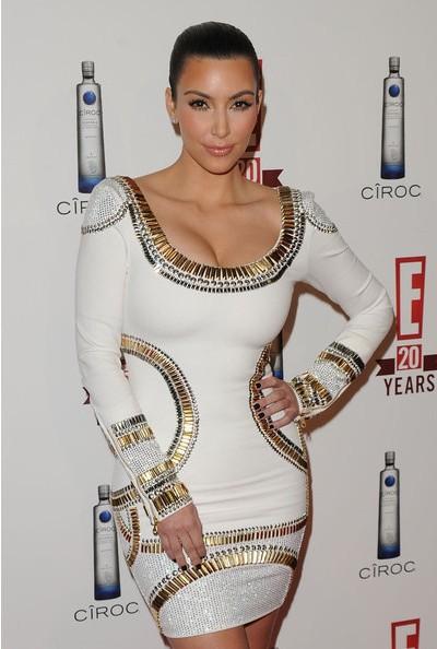 1- Robe Chic Sexy ornée de cristaux col rond manches longues Kim Kardashian - Latina Mode